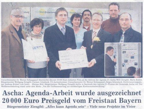Preisverleihung in Bayreuth, rechts im Bild Büroleiter Andreas Kulzer